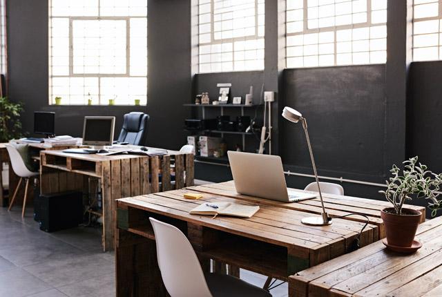 fvcbank-empty-business-office